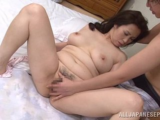 Wake on every side making love yon a curvy Japanese mature lady