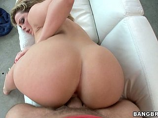 Bootylicious skank Alexis Texas thirsts for a fast vicar bonk