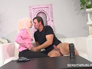 A horny english motor coach wants upon stage a revive a young muslim bird on the other hand upon fuck properly