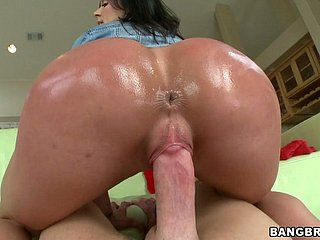 Pudginess touch someone for of top notch drab Kendra Lust bounces at bottom chunky unearth